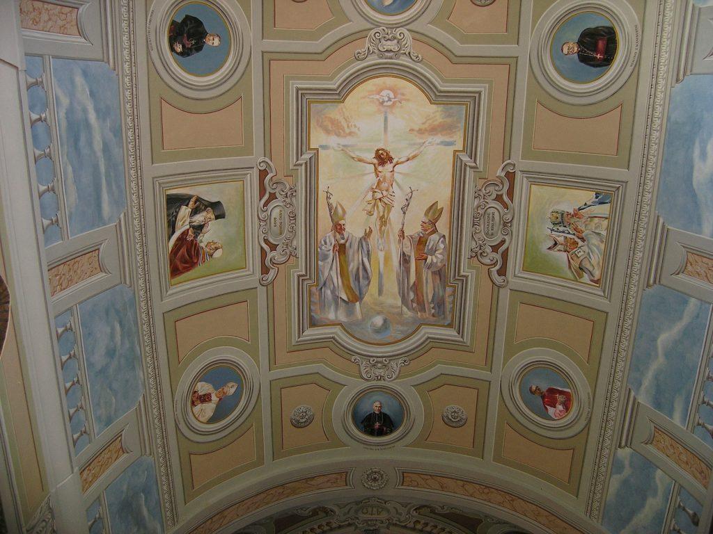 Soffitti A Volta Decorazioni : In stile medievale marrone con soffitti a volta decorati in legno