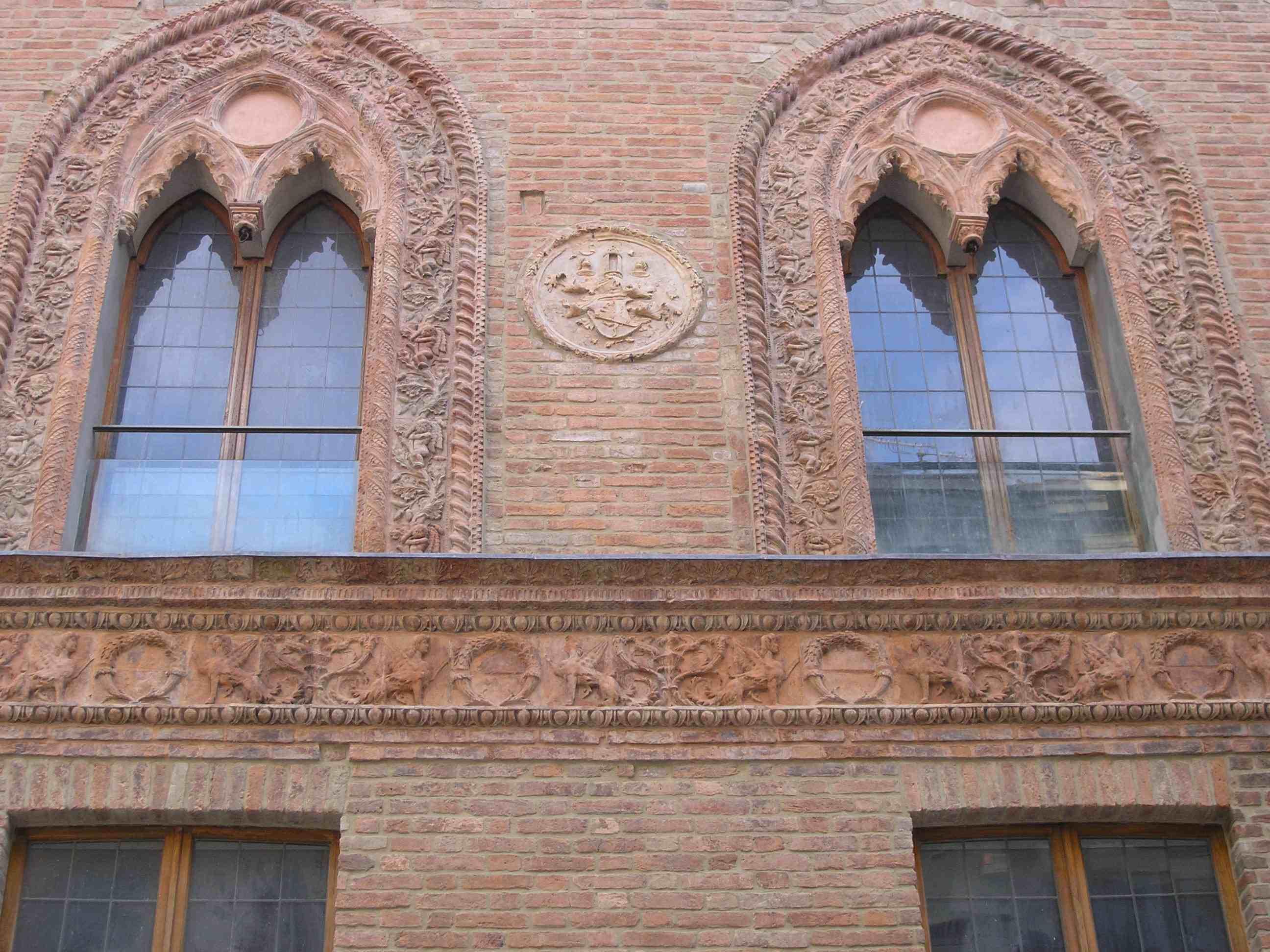 Cornici decorative: il restauro di Palazzo Grossi a Fiorenzuola d'Arda