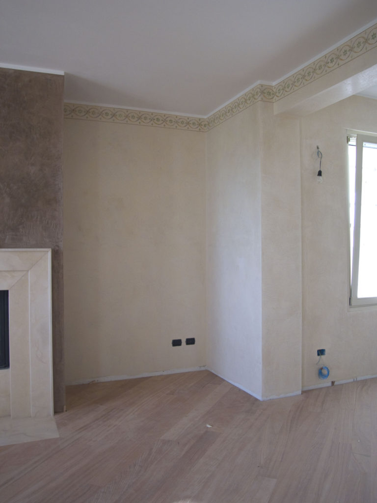 Pareti Pitturate A Fasce la decorazione d'interni: le cornici decorative nelle